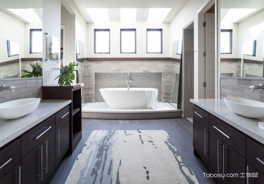 卫生间蓝色地板砖现代风格装饰效果图