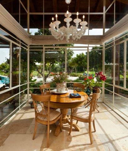 餐厅餐桌地中海风格装修设计图片