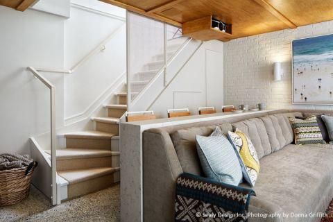 客厅楼梯北欧风格装潢图片