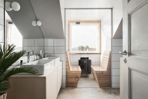 浴室白色洗漱台装潢图