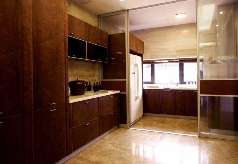 小巧玲珑厨房橱柜装饰设计图片
