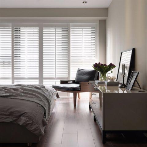 卧室落地窗现代简约风格装饰图片