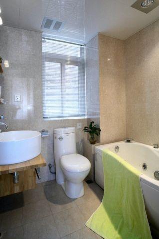 卫生间浴缸现代风格装潢设计图片
