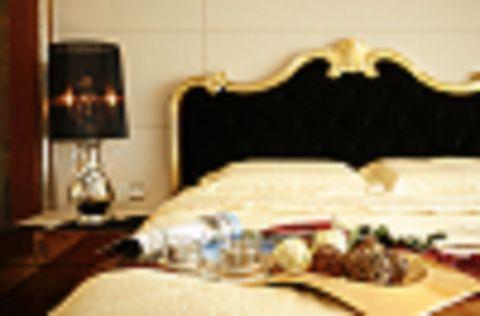 2021欧式卧室装修设计图片 2021欧式床装修效果图片