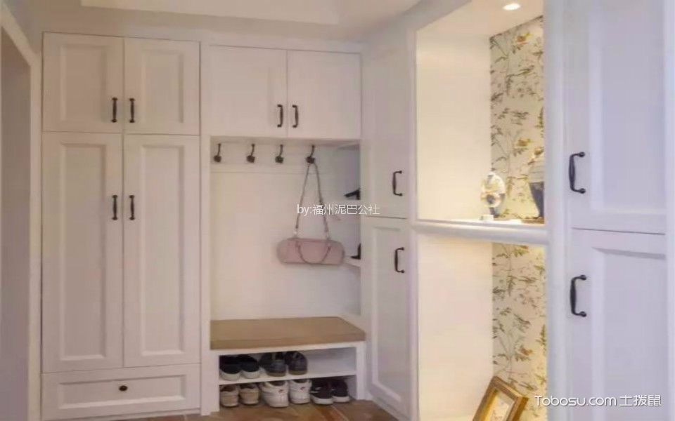 玄关白色鞋柜现代简约风格装潢图片