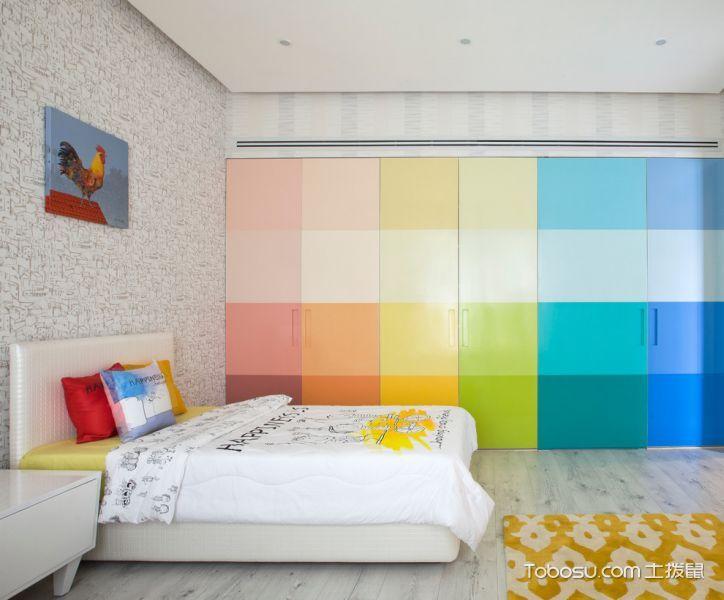 儿童房彩色衣柜混搭风格装修效果图