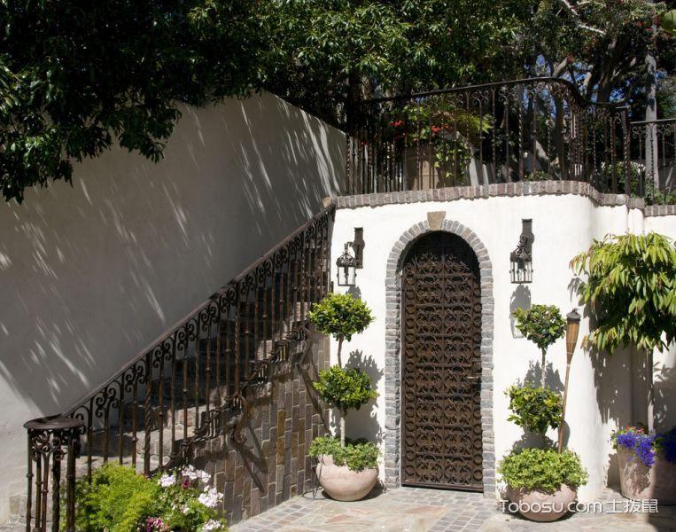 花园咖啡色楼梯地中海风格装修效果图