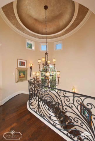 地中海客厅楼梯装饰设计