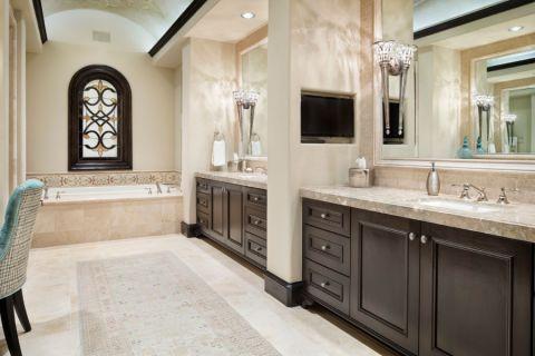 浴室白色地中海风格装潢图片