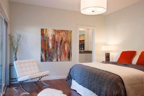 卧室白色现代风格装饰图片