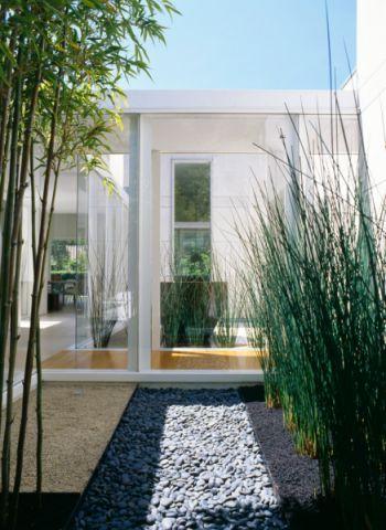 阳台落地窗现代风格装潢设计图片