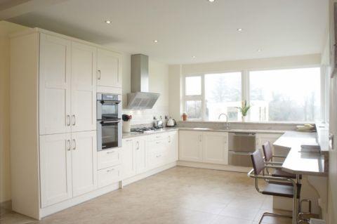 现代厨房背景墙家装设计图