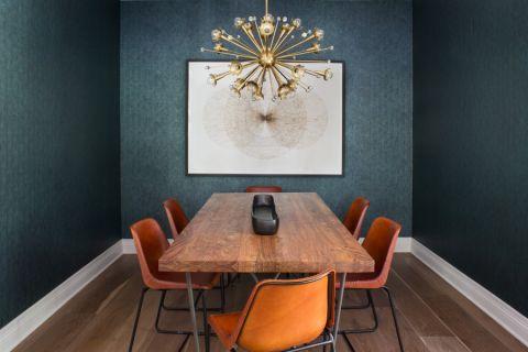 质感咖啡色实木餐桌装修图片