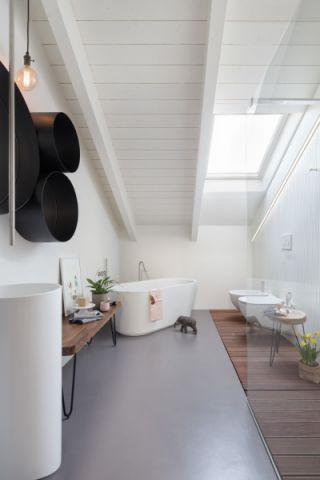 浴室浴缸北欧风格装饰设计图片