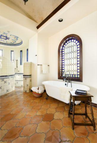 浴室浴缸地中海风格装饰效果图