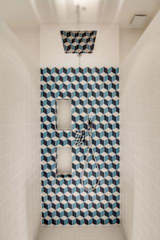 浴室现代风格效果图大全2017图片_土拨鼠豪华舒适浴室现代风格装修设计效果图欣赏