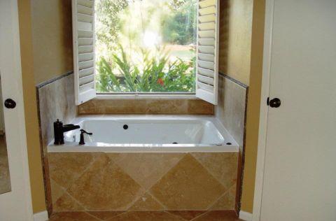 浴室现代风格装修效果图大全2017图片_土拨鼠温暖休闲浴室现代风格装修设计效果图欣赏