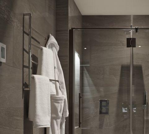 浴室现代风格效果图大全2017图片_土拨鼠清爽优雅浴室现代风格装修设计效果图欣赏