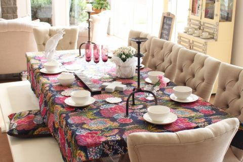 餐厅米色餐桌混搭风格装潢效果图