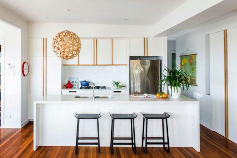 115平米三居室现代风格效果图图片