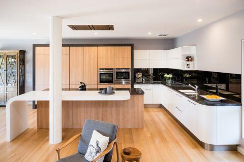 97平米一居室现代风格设计图