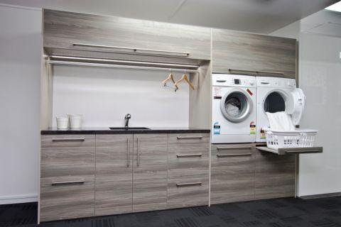 110平米三居室现代风格装修图片