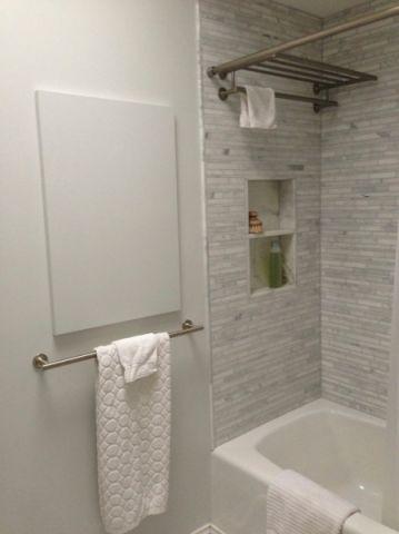 浴室灰色背景墙现代风格装饰设计图片