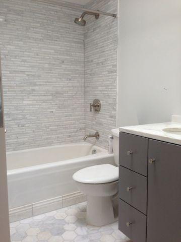 浴室白色浴缸现代风格装潢设计图片
