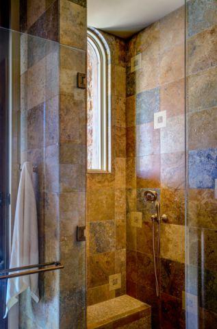 浴室背景墙地中海风格装饰设计图片