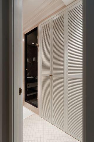 卫生间走廊美式风格装饰设计图片