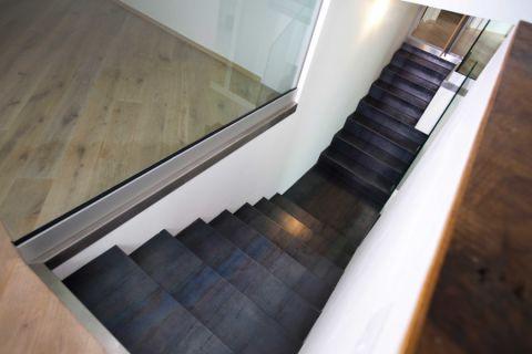 现代风格四居室194平米装修图片