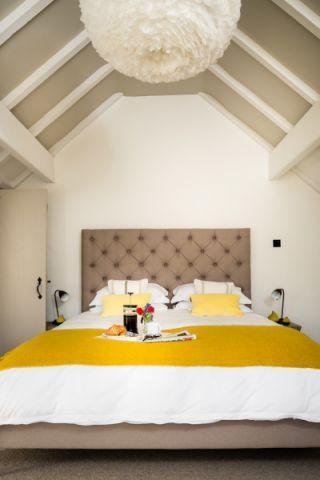 卧室吊顶北欧风格效果图