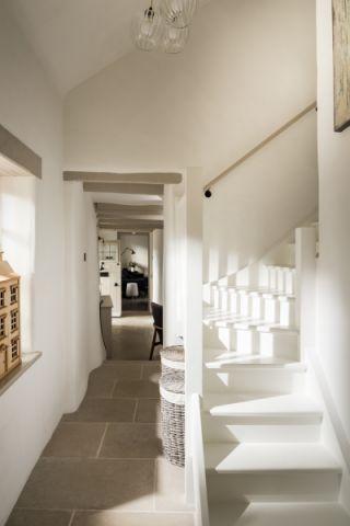 玄关楼梯北欧风格装潢图片