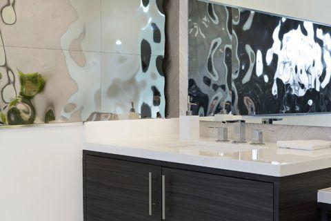 浴室现代风格装饰设计图片