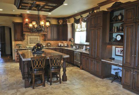 地中海厨房实木橱柜室内装修设计