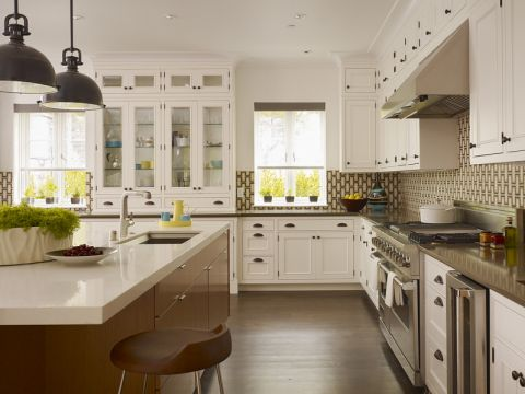 开放式厨房白色橱柜装修