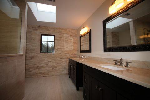 浴室现代风格效果图大全2017图片_土拨鼠清新富丽浴室现代风格装修设计效果图欣赏