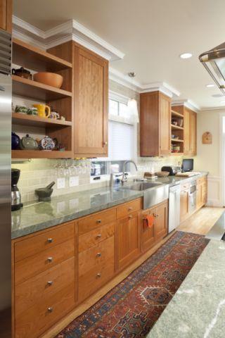 自然厨房美式实木家具设计方案