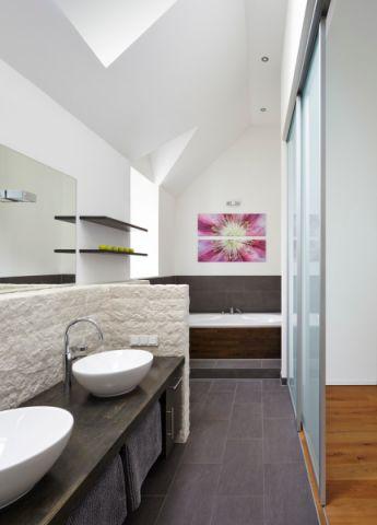 浴室现代风格效果图大全2017图片_土拨鼠现代质感浴室现代风格装修设计效果图欣赏