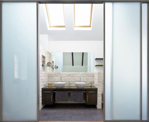 浴室推拉门现代风格装饰效果图