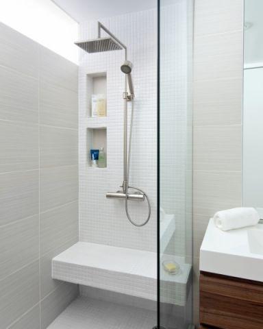 浴室推拉门现代风格装修设计图片