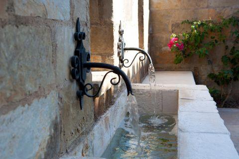 阳台背景墙地中海风格装修设计图片