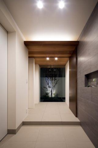 玄关现代风格装潢设计图片