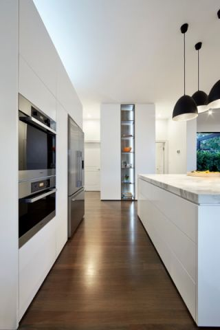 厨房现代风格装修效果图