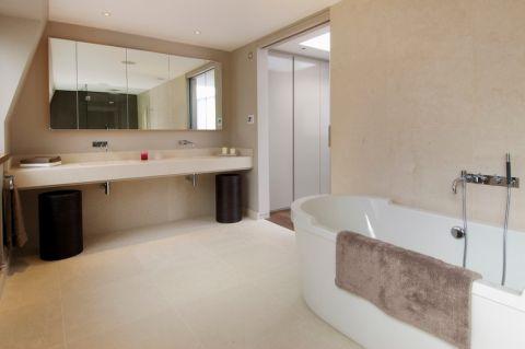 浴室背景墙现代风格装饰图片