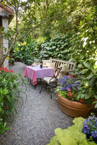 花园餐桌混搭风格装饰设计图片