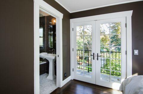 浴室推拉门美式风格装饰效果图