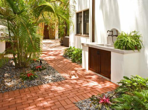 花园地板砖地中海风格装饰效果图
