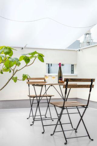 阳台背景墙现代风格装潢图片