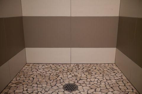 浴室地板砖混搭风格效果图